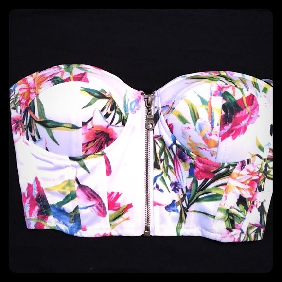 Floral Zip Up Bustier/ Crop Top - Never Worn XS - NEVER WORN. bought this from Windsor. White with very vibrant floral pattern. Full front zip crop top. WINDSOR Tops Crop Tops
