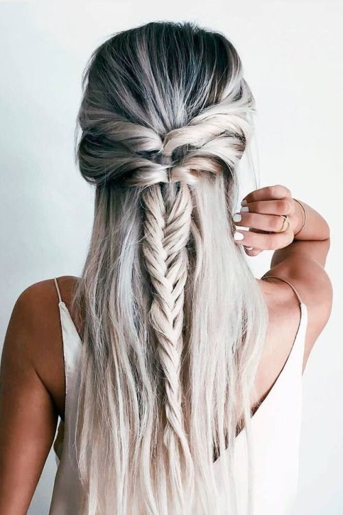 12 Chic Hairstyles For Long Straight Hair Long Hai Absolutely Beautiful Chic Gorgeous Hair Hairs Hairsty Hair Styles Long Hair Styles Long Straight Hair