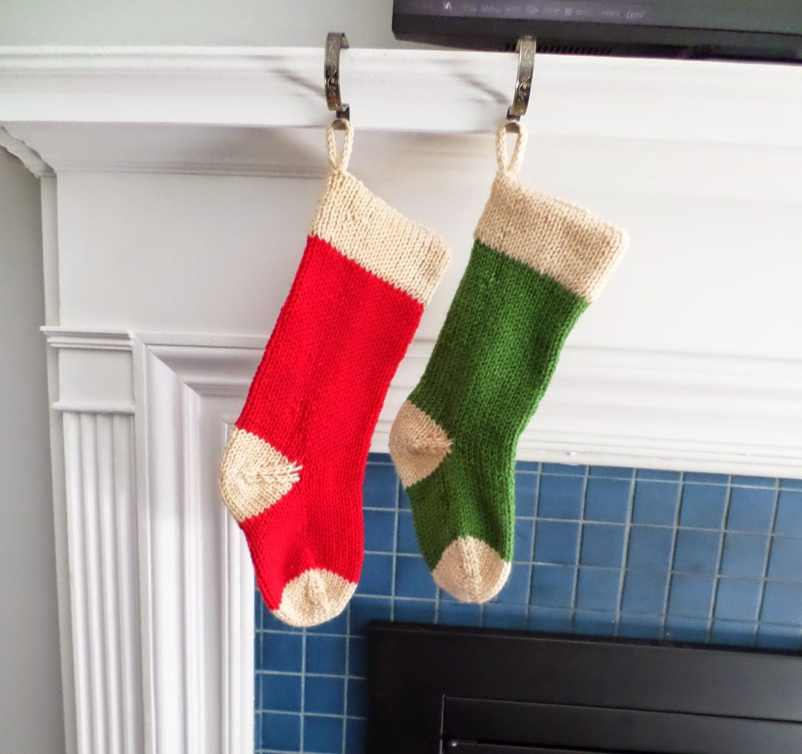 Simple Christmas Stocking | SaltyCrafts | Knitted ...