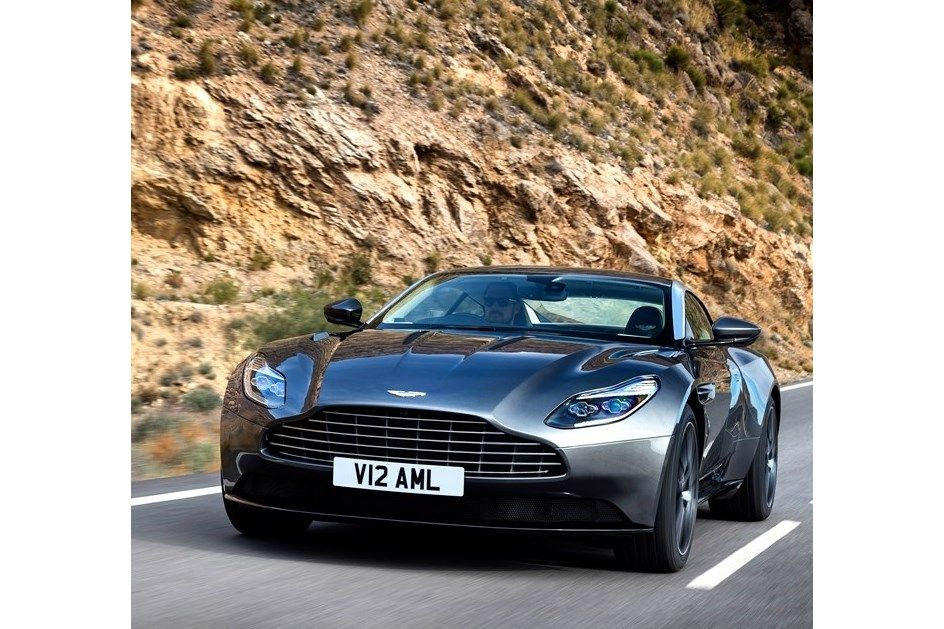 Aston Martin DB11 à medida de 007