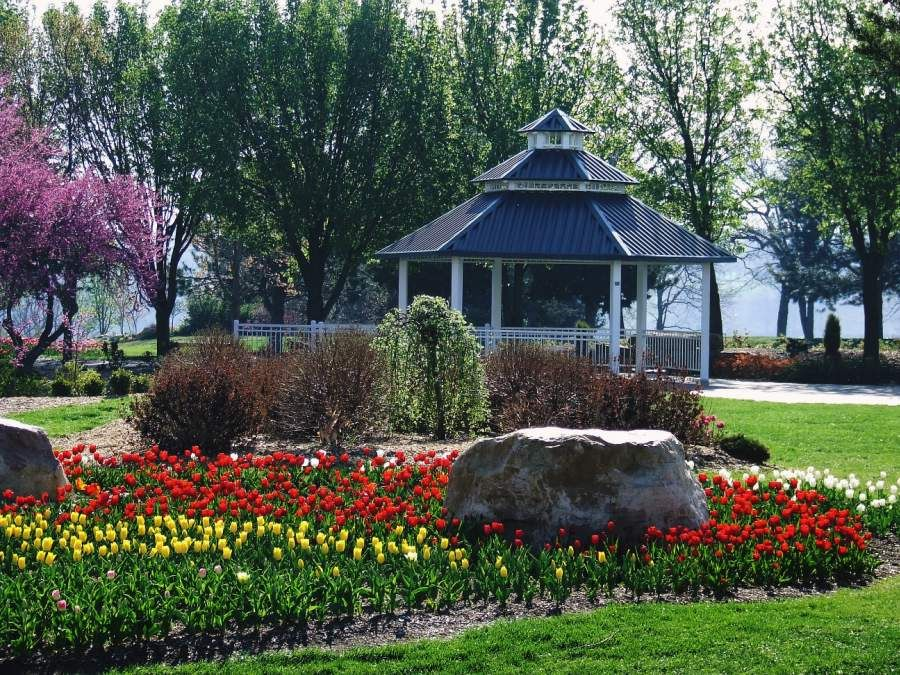 Attractive Ted Ensley Gardens At Lake Shawnee    The Gardens Are Located On The West  Side Of Lake Shawnee And Span Over Nine Acres. In Addition To The Panoramic  Views ...