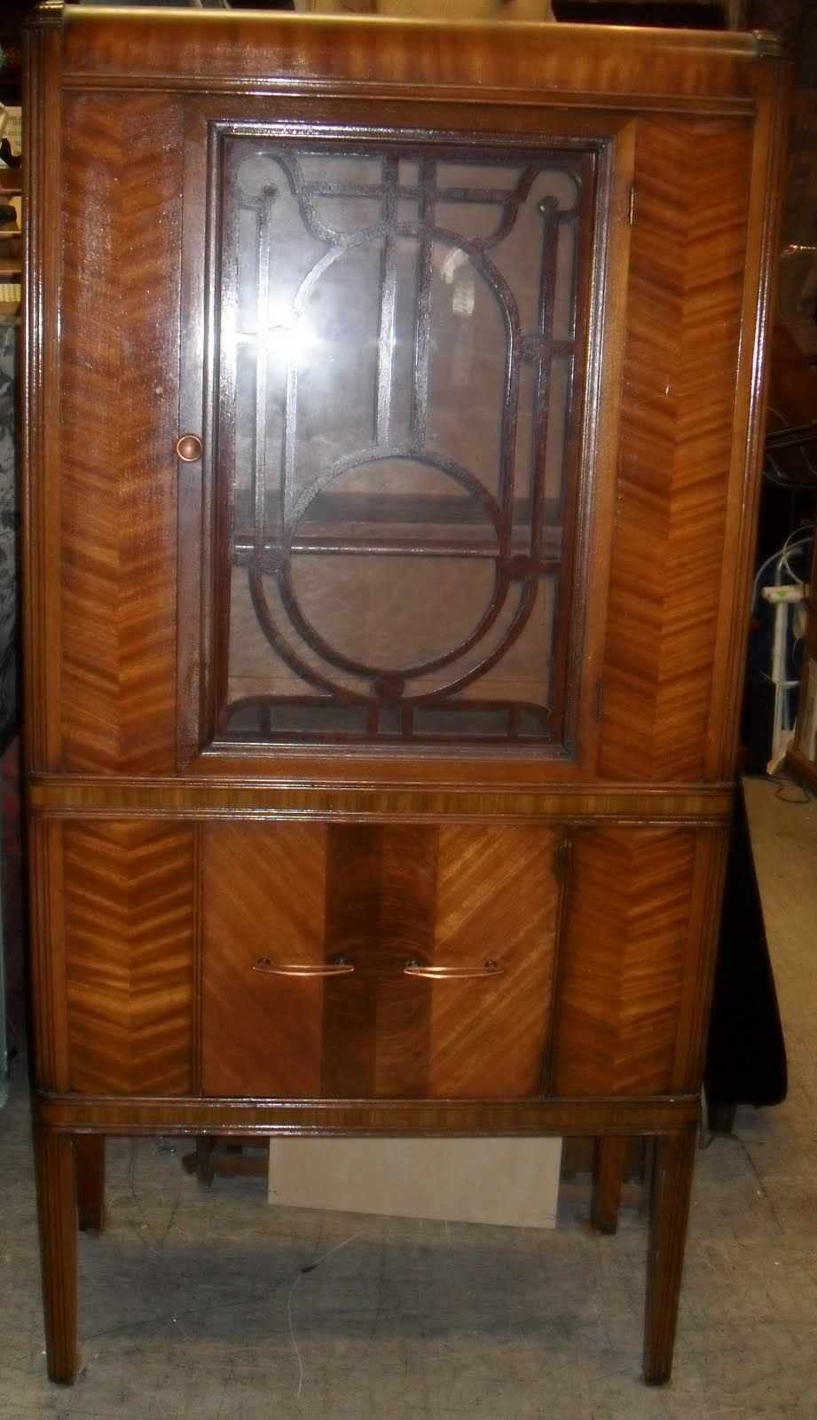 WATERFALL STYLE FURNITURE Uhuru Furniture & Collectibles