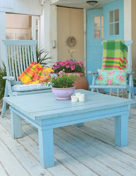 Neat Chunky Beach Cottage Coffee Table Or Outdoor Sitting