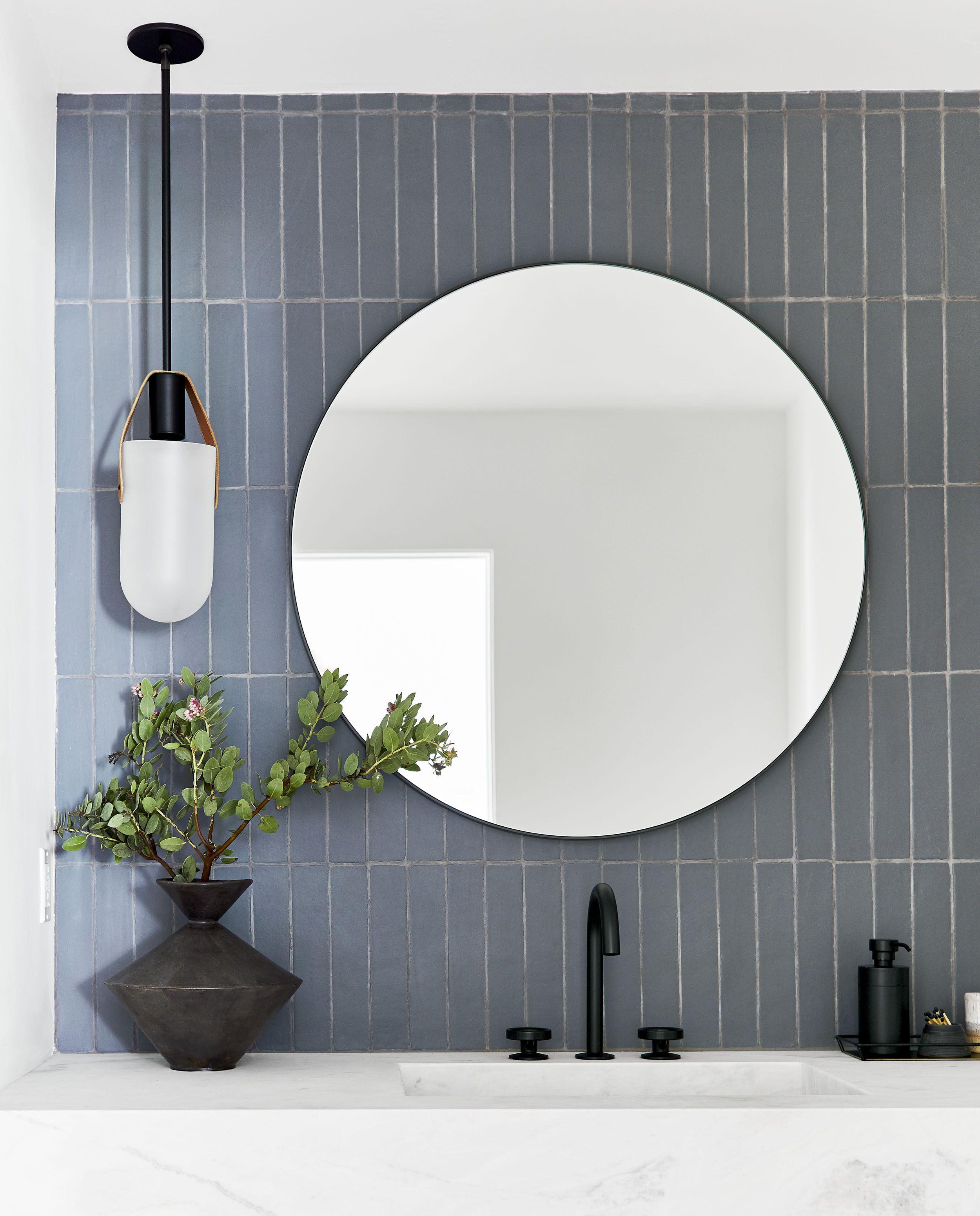 How To Design A Modern Dramatic Powder Room Bathroom Design Bathroom Backsplash Bathroom Decor