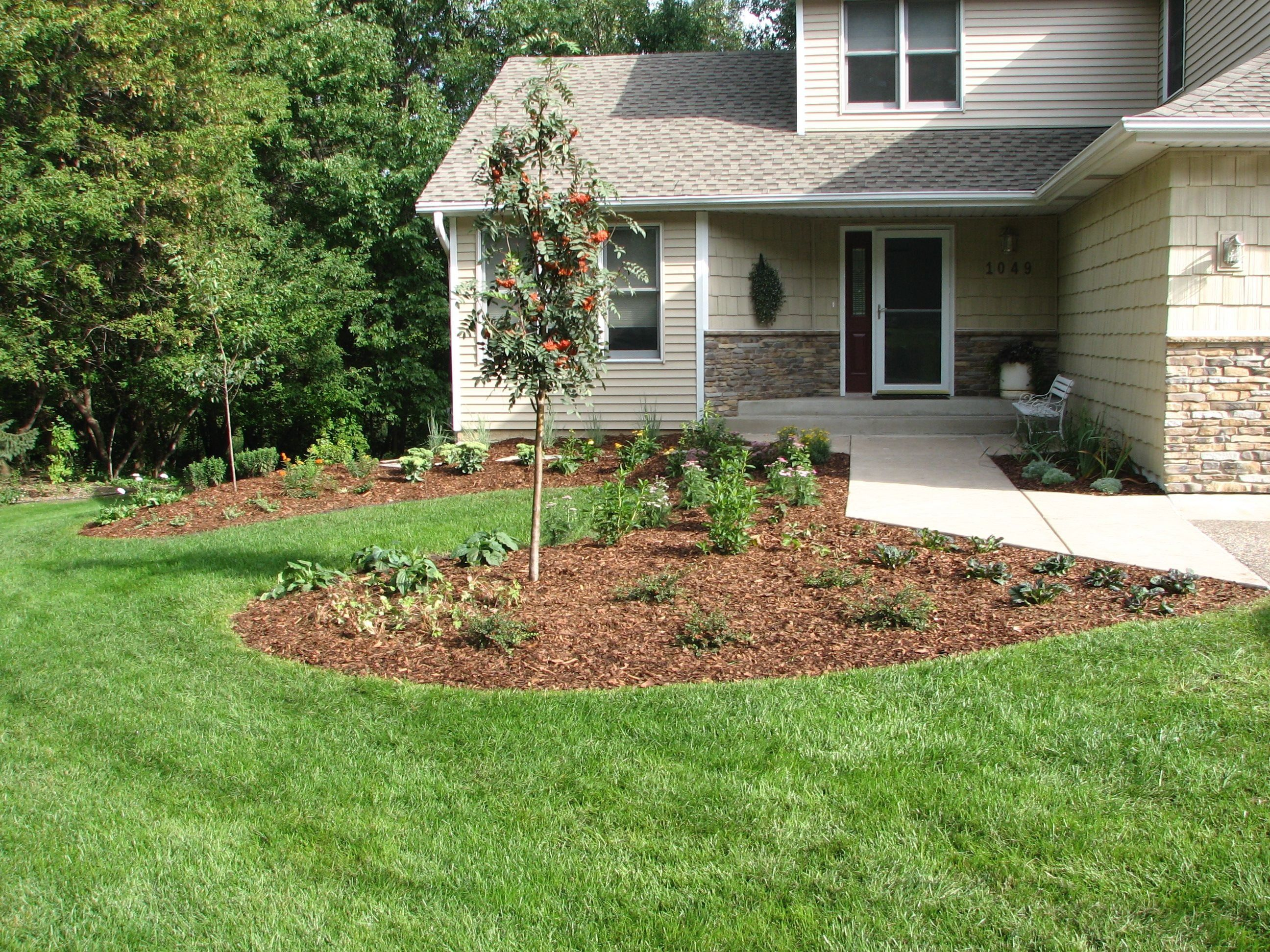 Ecoscapes Sustainable Landscaping Landscape Design Build Contractor Serving Minneapo In 2020 Front Yard Landscaping Design Home Landscaping Sustainable Landscaping