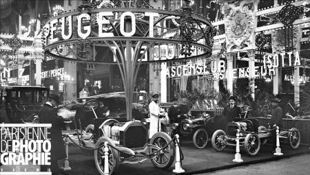 PARIS - SALON DE L'AUTOMOBILE Salon de l'automobile 1910. Stand Peugeot. Paris, Grand Palais.