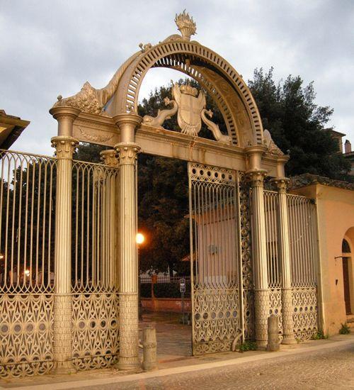 Cast iron monumental gate in Follonica. #maremma #tuscany #arte #art
