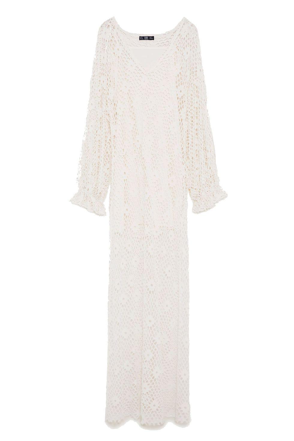 10 Beach Wedding Dresses You Can Buy Off The Rack Designer Wedding Dresses Beach Dresses Bridal Fashion Week