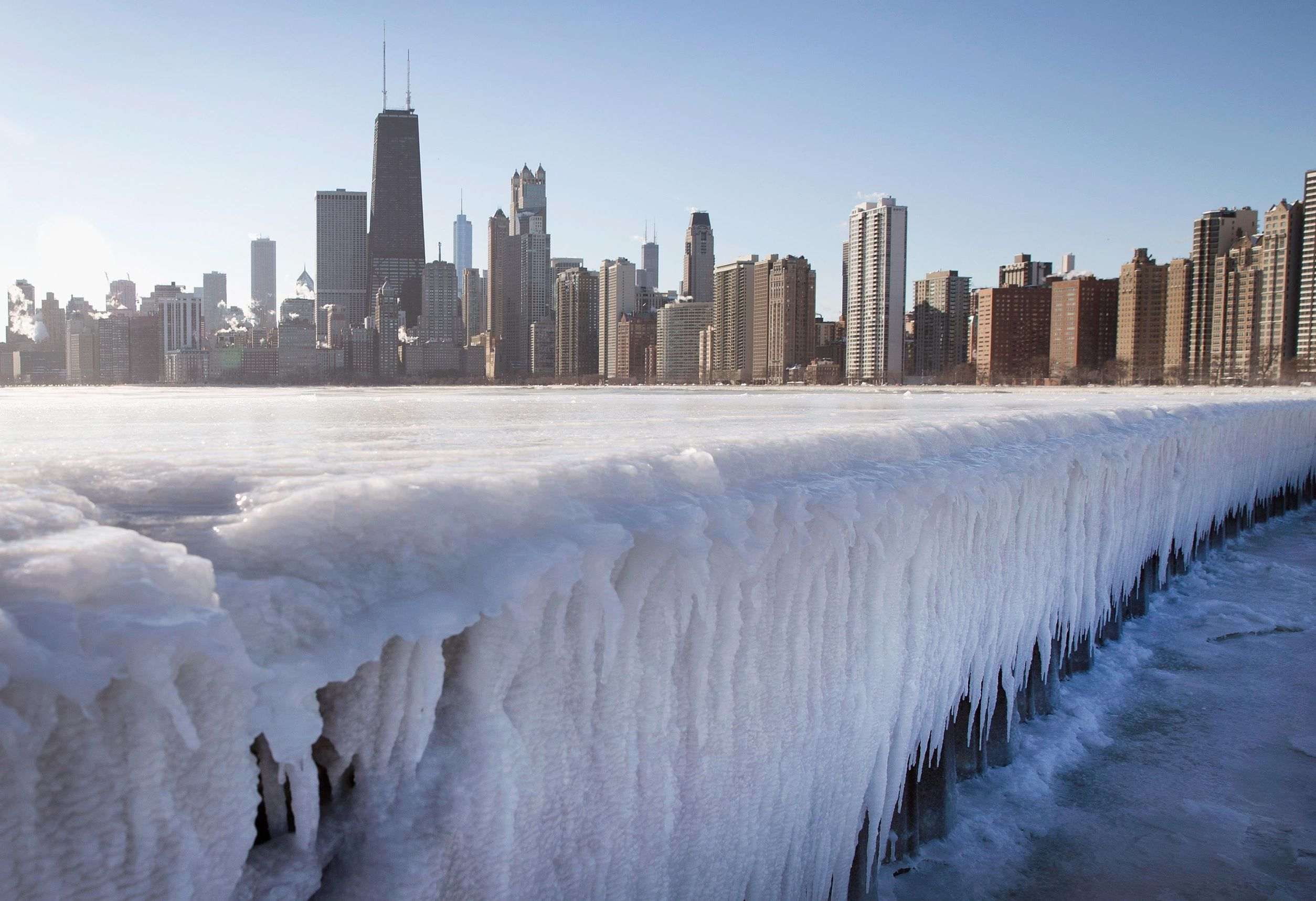Best Weather Pictures Of The Week Chicago Winter Chicago Weather Lake Michigan