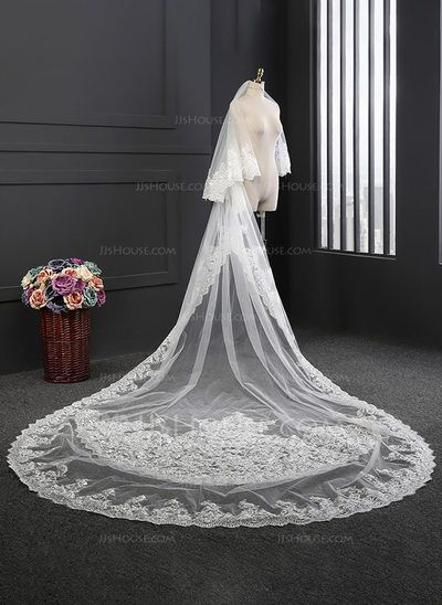 WEDDING VEIL TWO-TIER CATHEDRAL BRIDAL VEILS LACE APPLIQUE EDGE VEIL WITH COMB