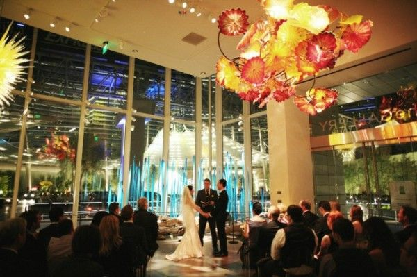 Gordon And Jessica S Modern Gallery Wedding Ceremony Inside The Chihuly At Aria Las Vegas