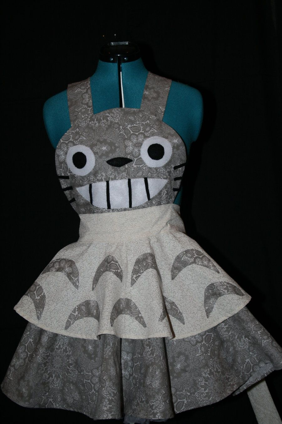 My Neighbour Totoro - Is it a cosplay, is it an apron? Who cares, it's brilliant!