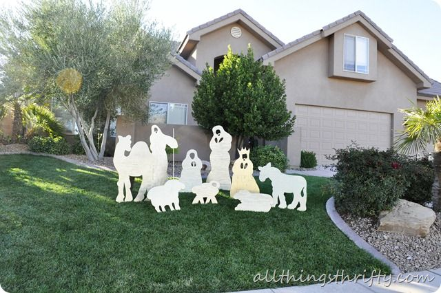 DIY Christmas Nativity set for your front yard! Costs about $50 and should  last forever! - DIY Christmas Yard Nativity Set DIY Home Decor Ideas Christmas