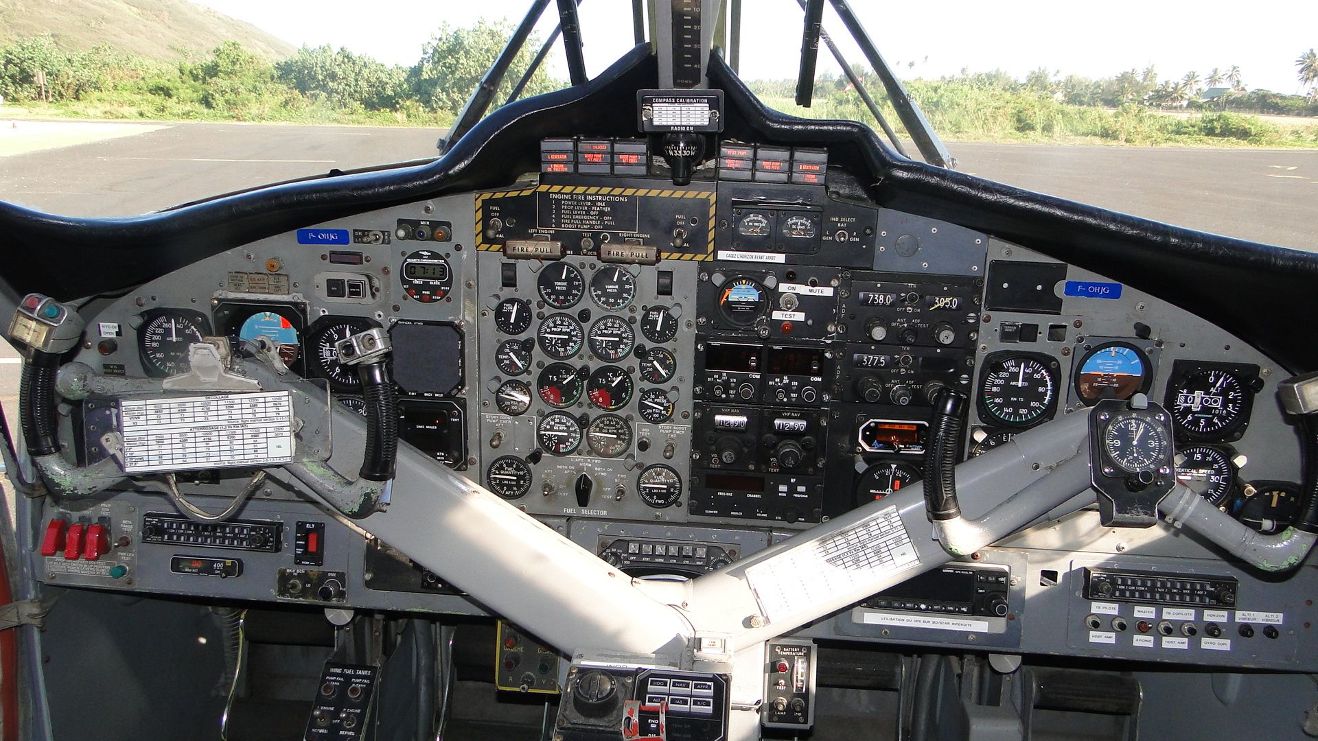Twin Otter Cockpit Cockpit Flight Deck Dhc