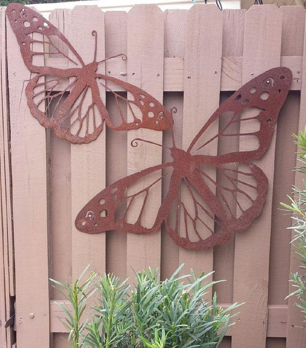 49 Modern Outdoor Metal Garden Art Ideas