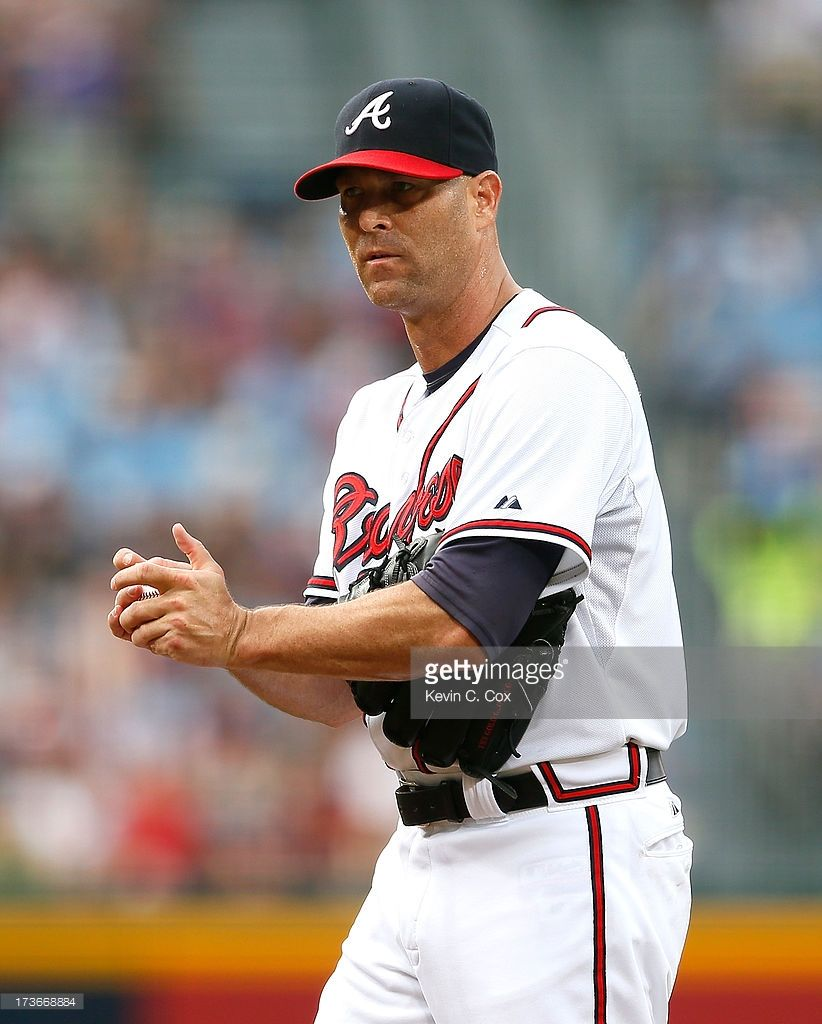 Tim Hudson Of The Atlanta Braves Against The Cincinnati Reds At Tim Hudson Atlanta Braves Cincinnati Reds
