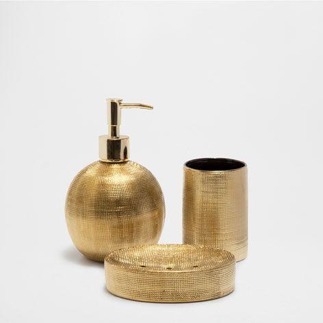 Accessoires salle de bain de lautomne 17 de zara home trousses de toilette corbeilles à linge et boîtes mouchoir apportez une touche de style à votre