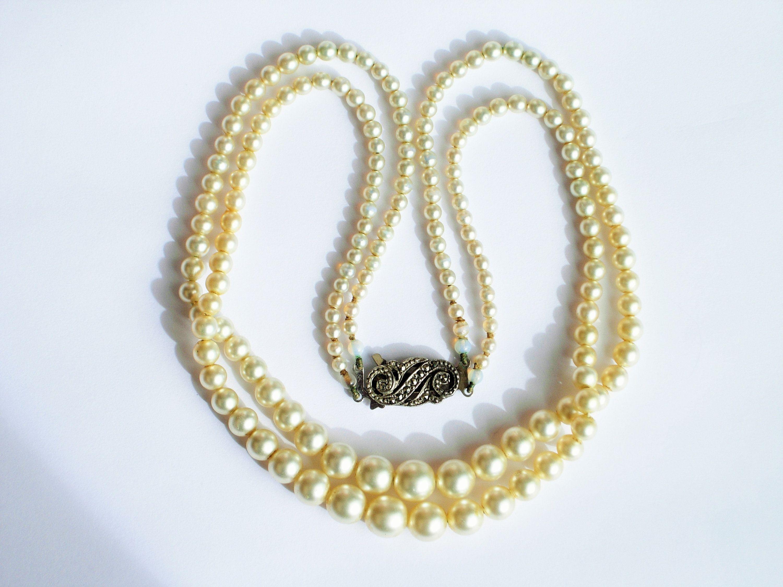 Vintage Faux Pearl Necklace