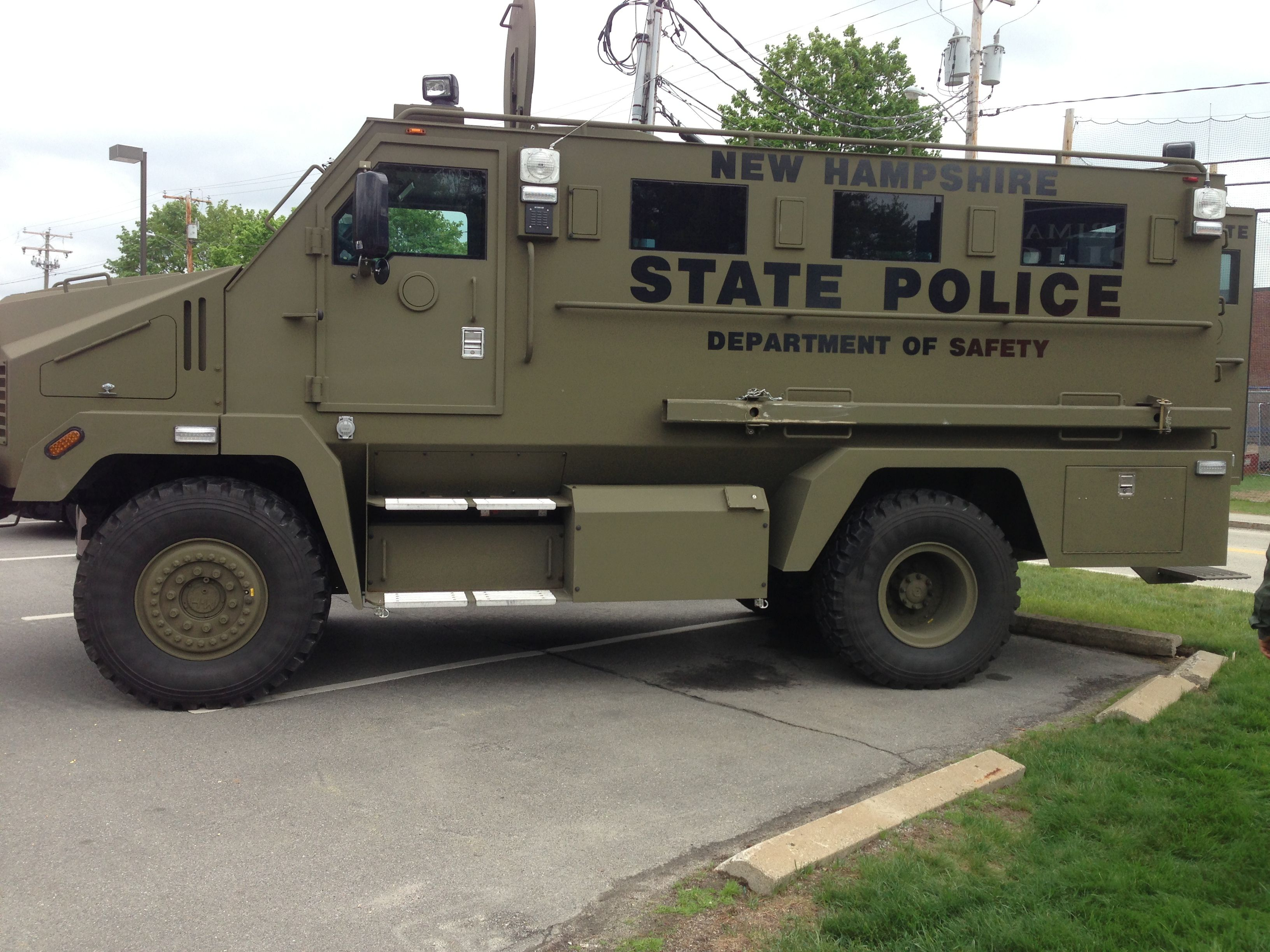 "New Hampshire State Police ""Bearcat"" Police truck, State"