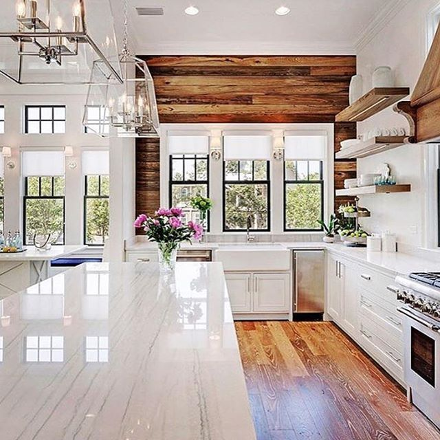 Modern Wood Accent Wall: Kitchen Goals. I Love The Mix Of Clean Lines With That