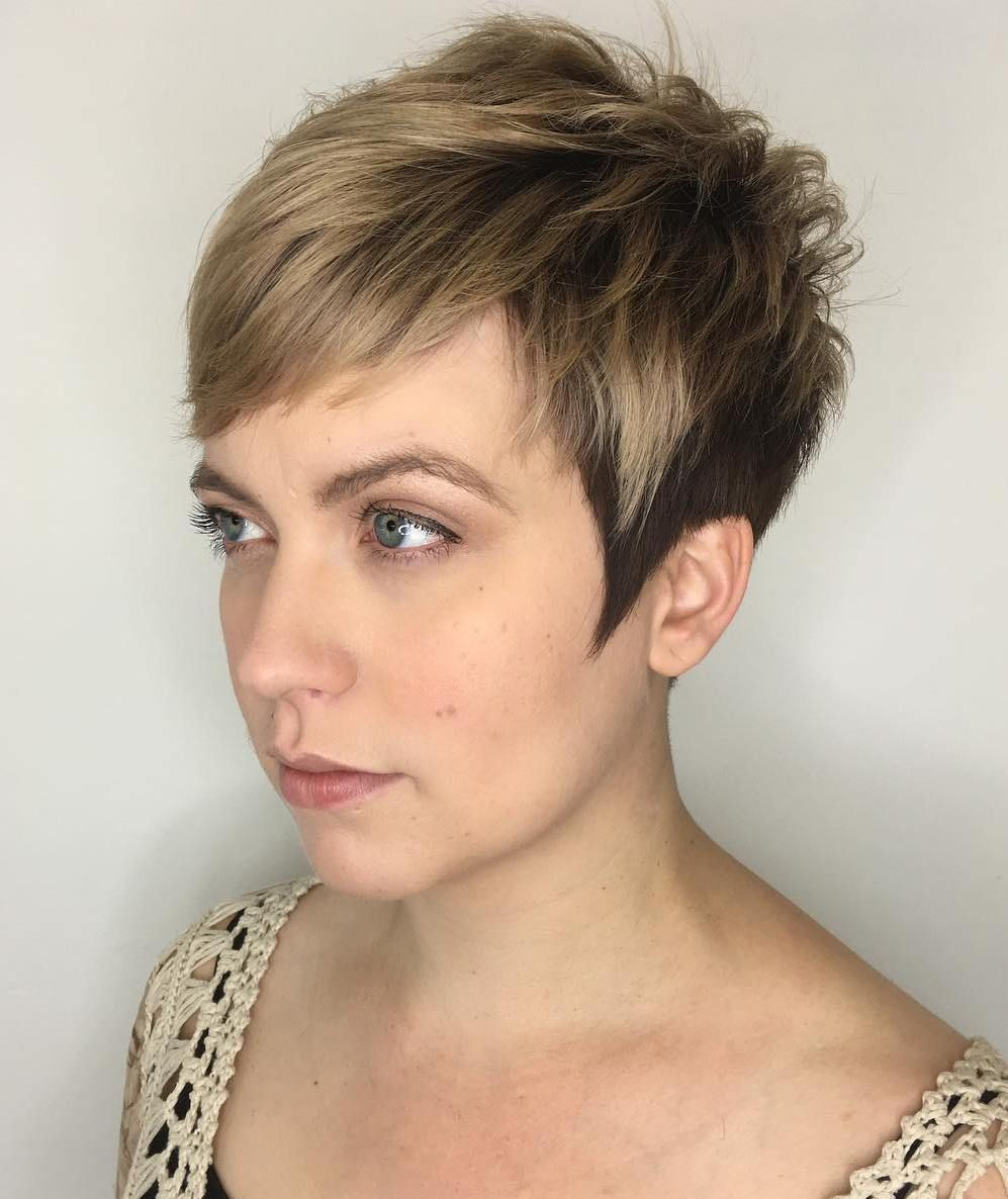 short two-tone pixie with piece-y layers | color with gray
