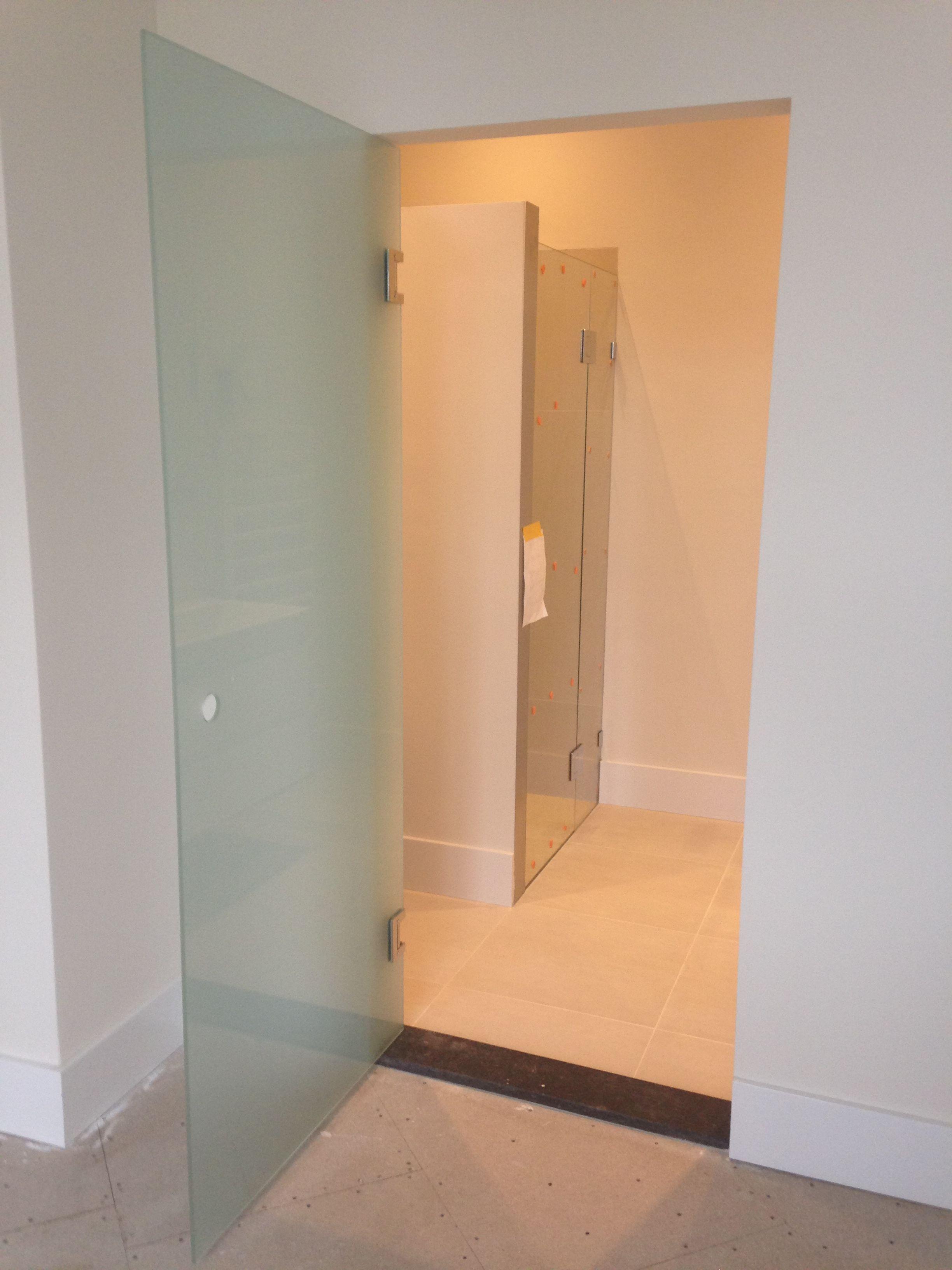 glazen deur badkamer glazen deuren op maat pinterest