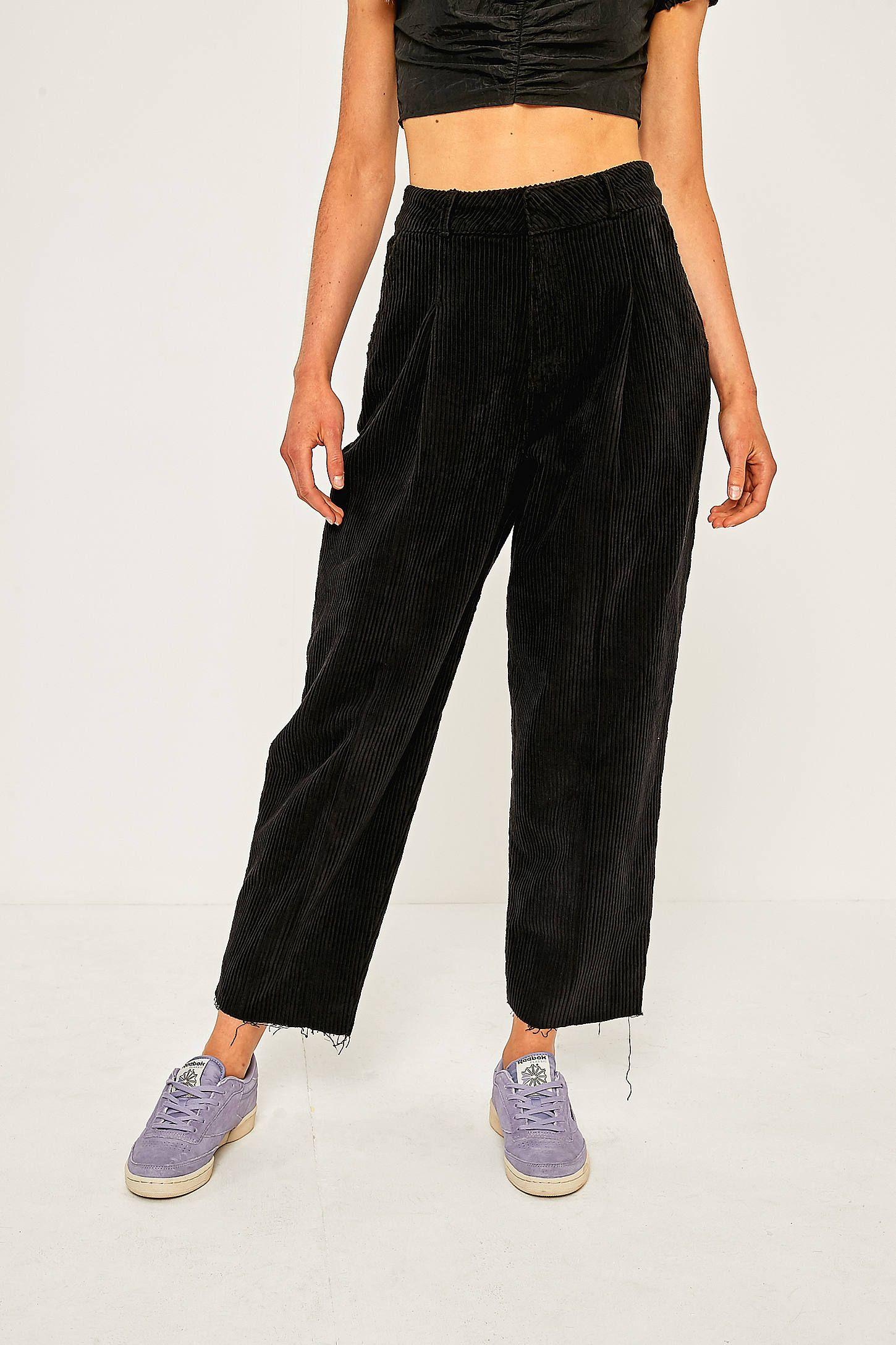 7e8be43470a16 BDG - Pantalon cocon en velours côtelé noir   Urban outfitters ...