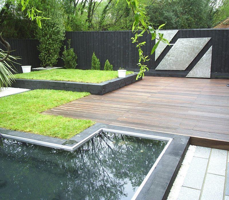 Sleepers Garden Edging | Contemporary garden, Contemporary ...