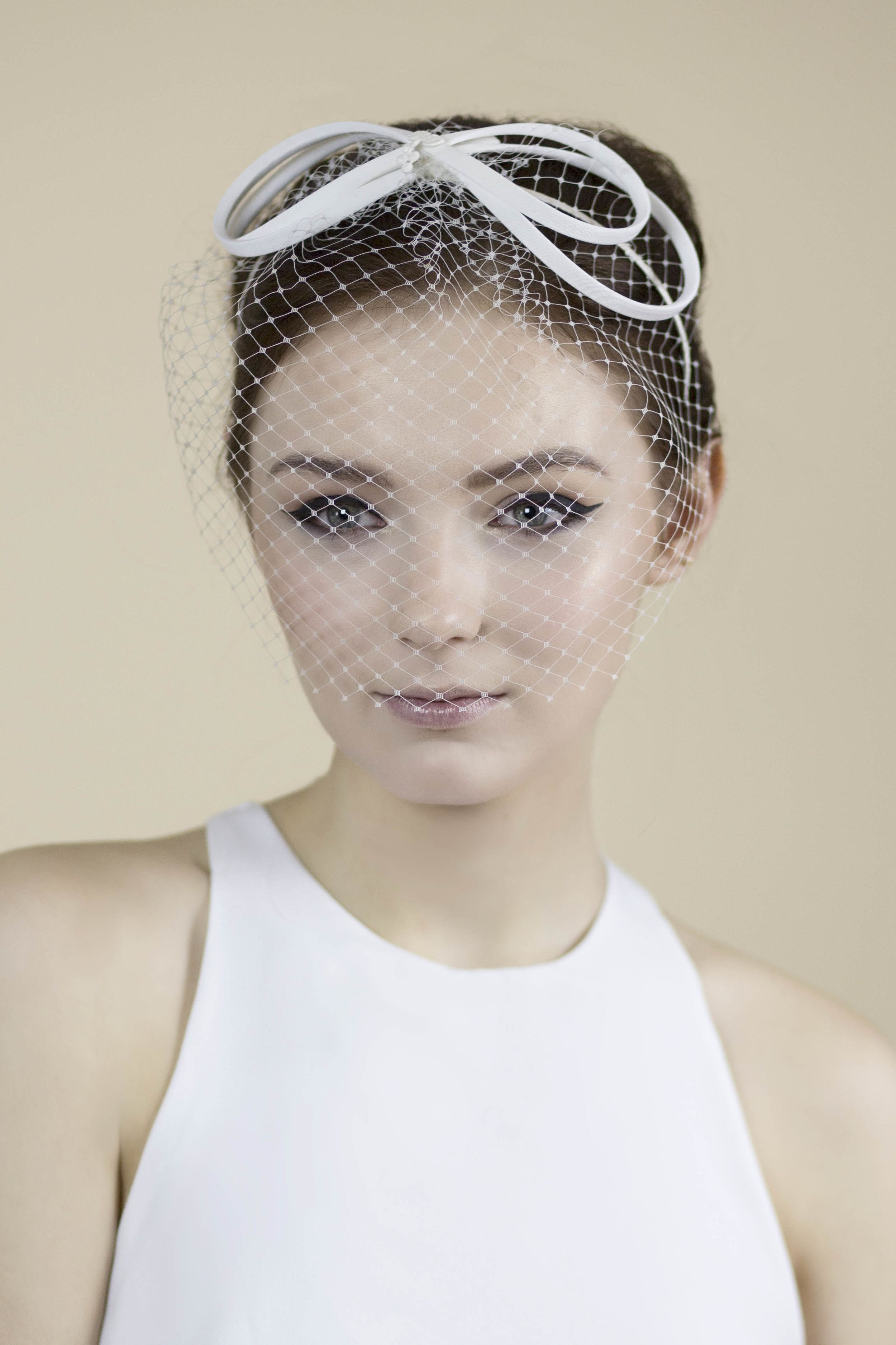 Hair accessories headbands uk - Bow Blusher Veil Ailis Http Maggiemowbraymillinery Co Uk Bridal