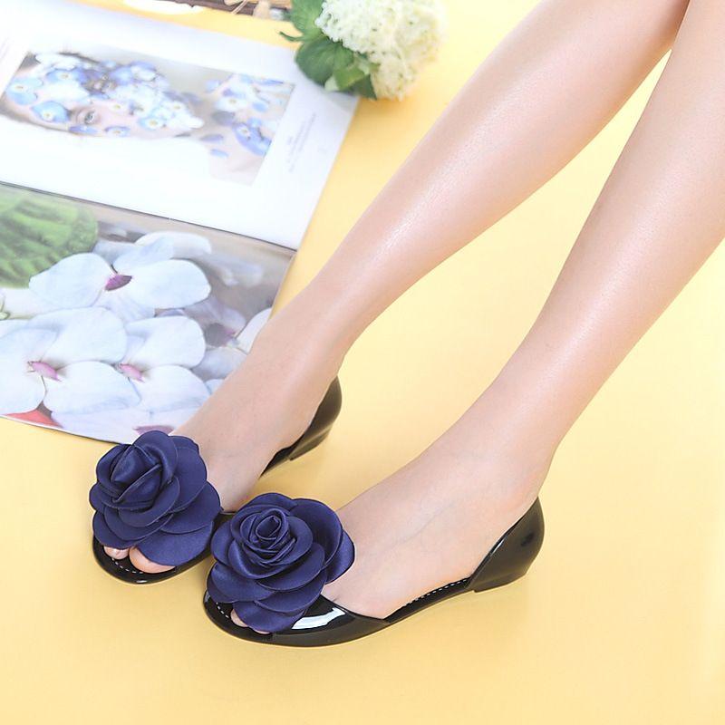 Women Jelly Sandals Beach Jelly Shoes Woman Summer Flip Flops Rose Flower  Slippers Slip on Flats Casual Women Shoes 778d64c5e7c9