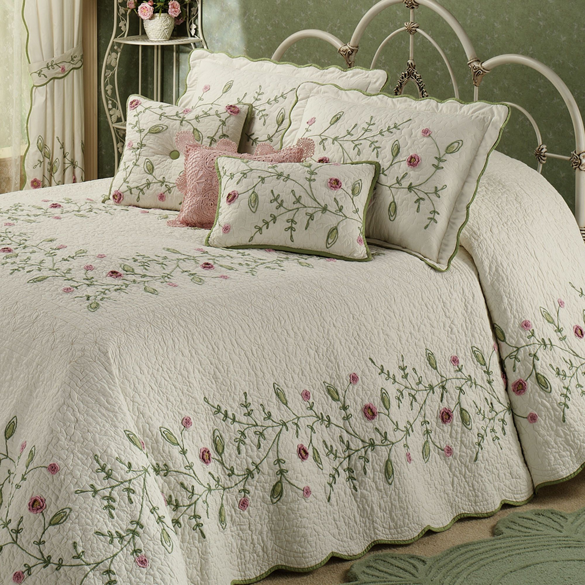 Posy Grande Bedspread Ivory Bed Linens Luxury Bed Spreads Chic Bedding Sets
