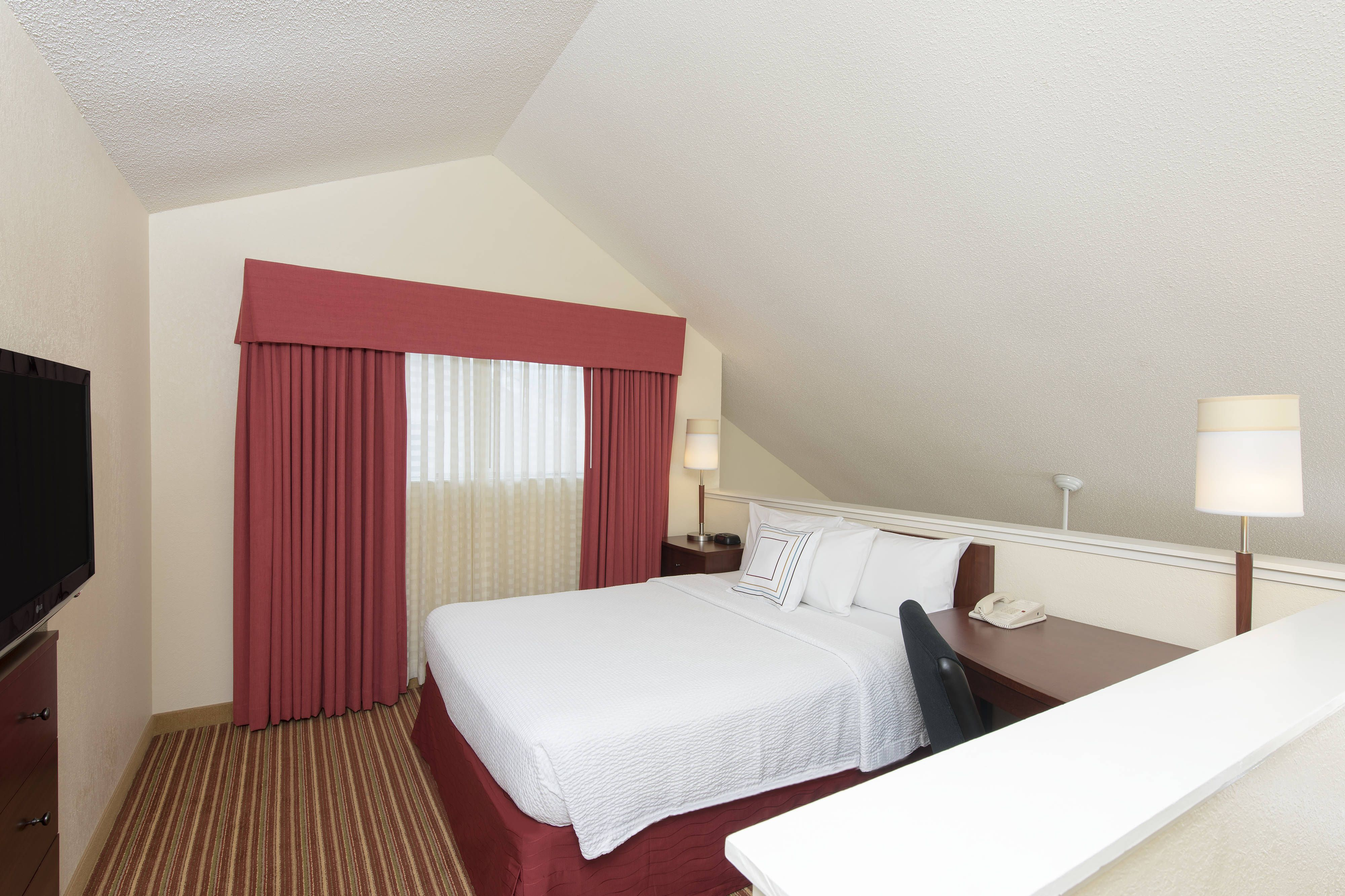 Excellent Residence Inn Chicago Deerfield Two Bedroom Suite Loft Beutiful Home Inspiration Ponolprimenicaraguapropertycom