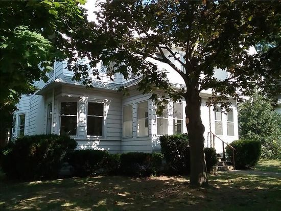 1062 W 8th St Erie Pa 16502 Mls 115540 Zillow Zillow Small House Erie