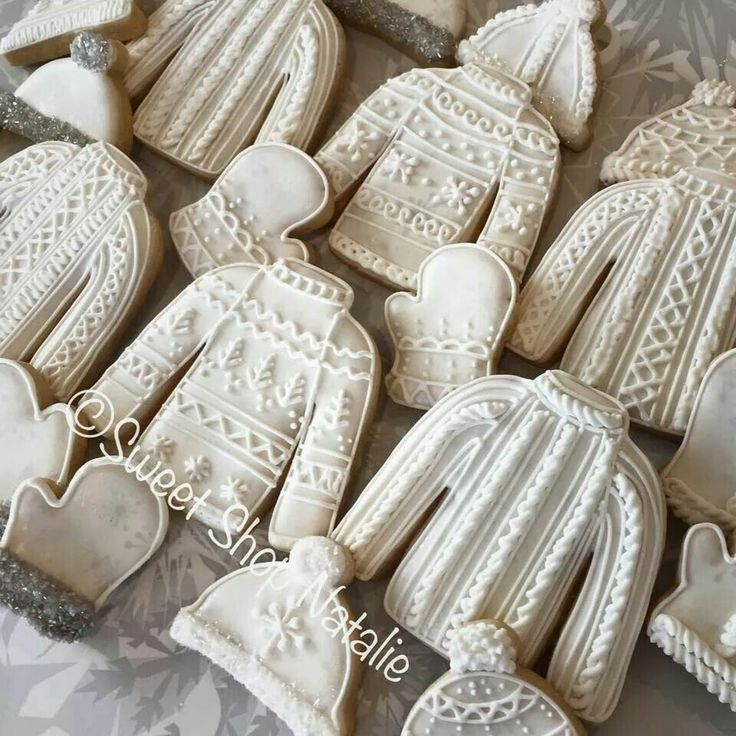 Winter Wedding Ideas Cozy Sweater Details Cookies Decorated