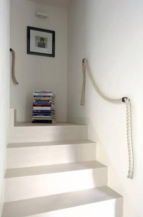 Cemento pulido y una cuerda escaleras stairs - Pasamanos de cuerda ...