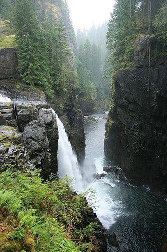 Elk Falls Provincial Park Vancouver Island, BC, Canada ...