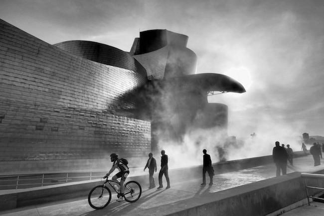 Consejos, técnicas y recomendaciones para realizar fotografías deslumbrantes de la ciudad. Ejemplos y claves para fotos de arquitectura y...
