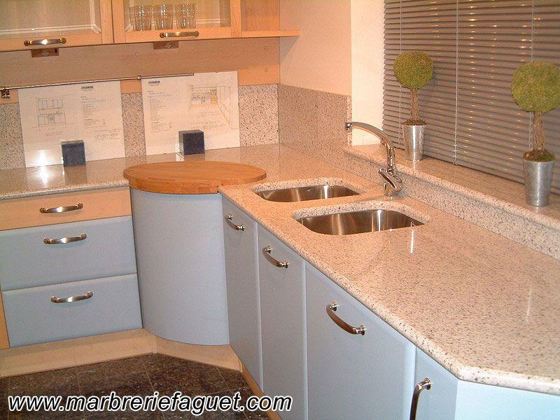 plan de travail de cuisine et cr dences en granit blanc christal espagne ideas para el hogar. Black Bedroom Furniture Sets. Home Design Ideas