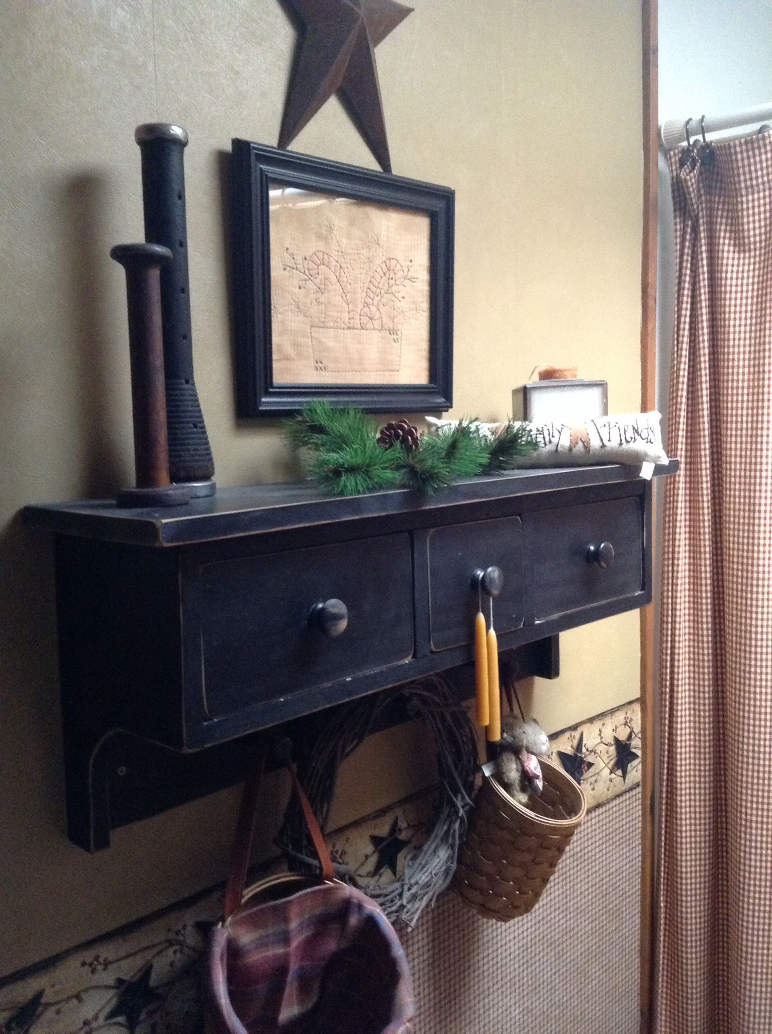 Primitive shelf with drawers in black