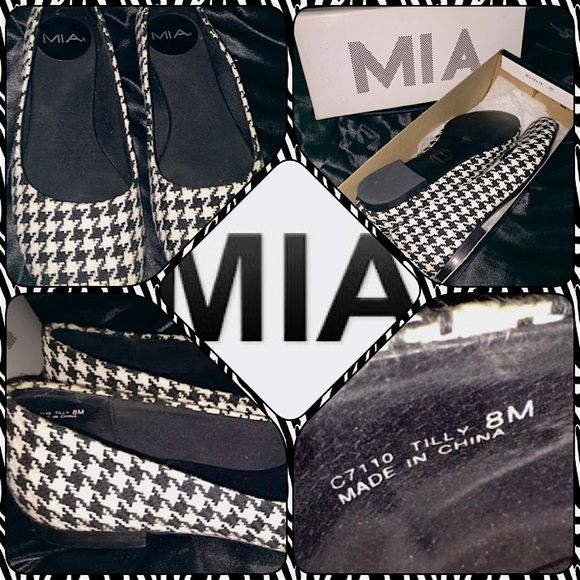 MIA Black & White Houndstooth Flats MIA ballet flats. Black and white houndstooth pattern. Only worn once. Leather soles. Size is womens 8M. Has some discoloration at the top of the heels but it's not very noticeable. Besides that small imperfection these are like new. MIA Shoes Flats & Loafers