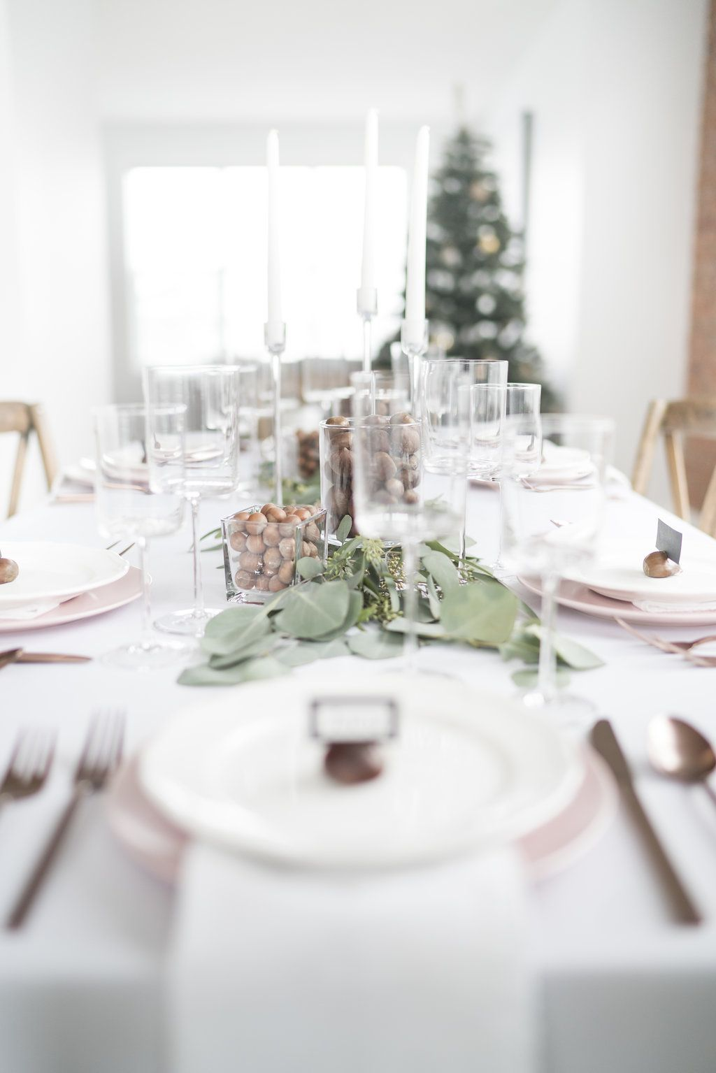 setting the table for the holidays entertaining dinner parties rh pinterest com