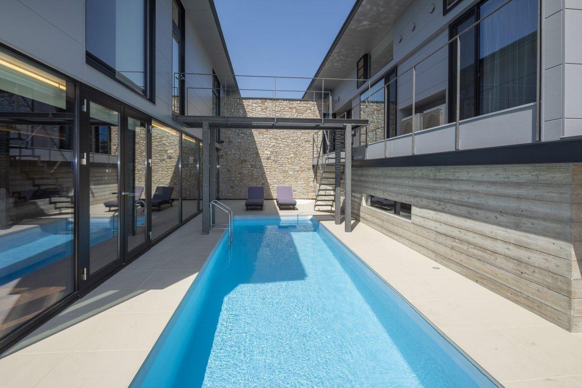 どこからでもプールが眺められる建築 プール 自宅 プール プールの