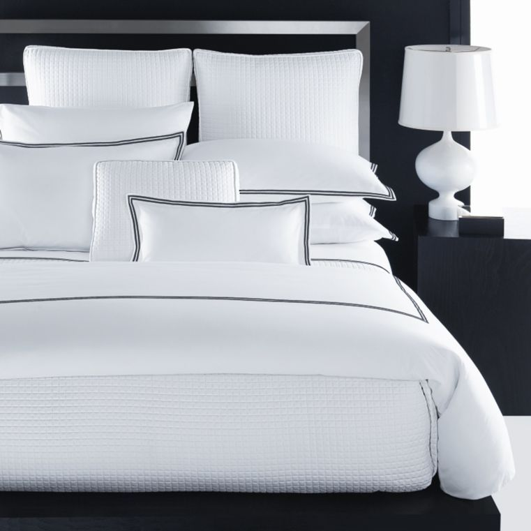 Hudson Park Collection Italian Percale Bedding 100 Exclusive Bedding All Bedding Bloomingdale S In 2021 Bed Hudson Park Hudson Park Collection