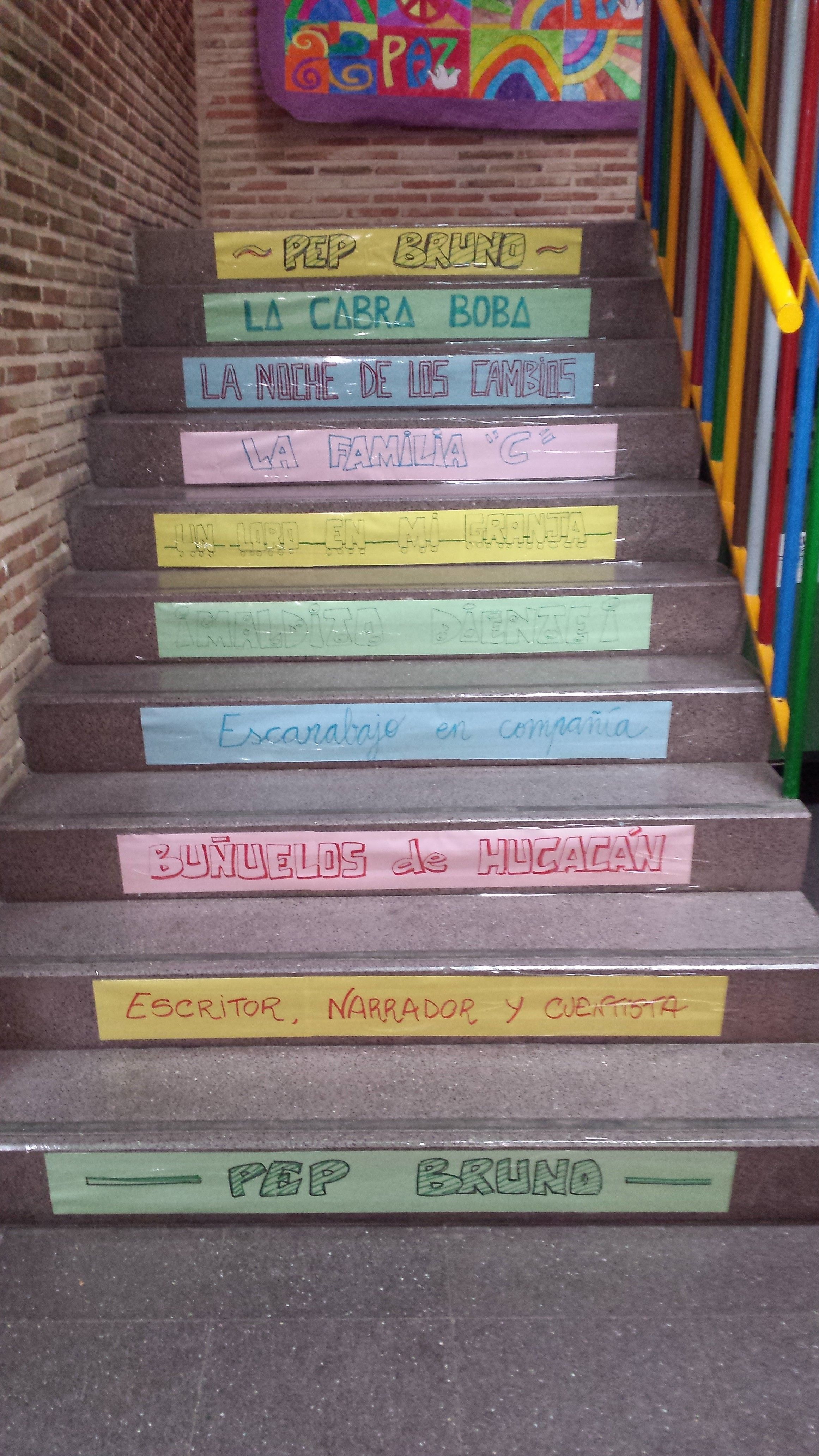 Escalera lectora sobre el escritor narrador y cuentista - Escaleras para bibliotecas ...