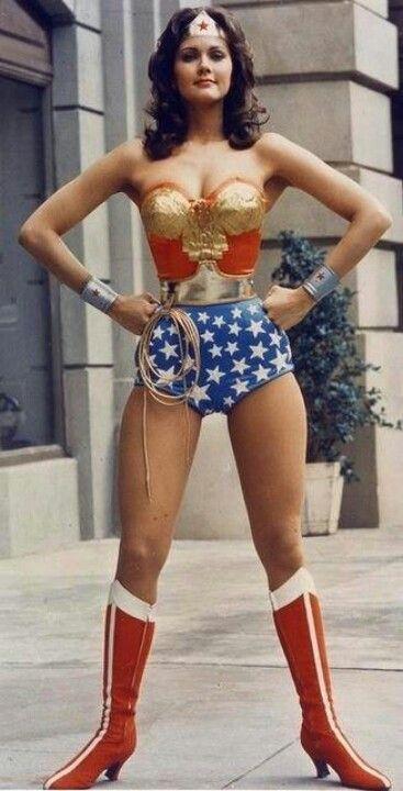 Wonder woman first issue-3367