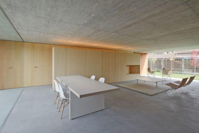 flachdachhaus einrichtung beton holz wohnbereich offen   Neues ...