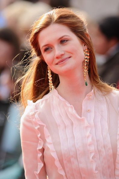 Bonnie Wright Photos Photos Harry Potter And The Deathly Hallows Part 2 World Premiere Bonnie Wright Ginny Weasley Bonnie Francesca Wright