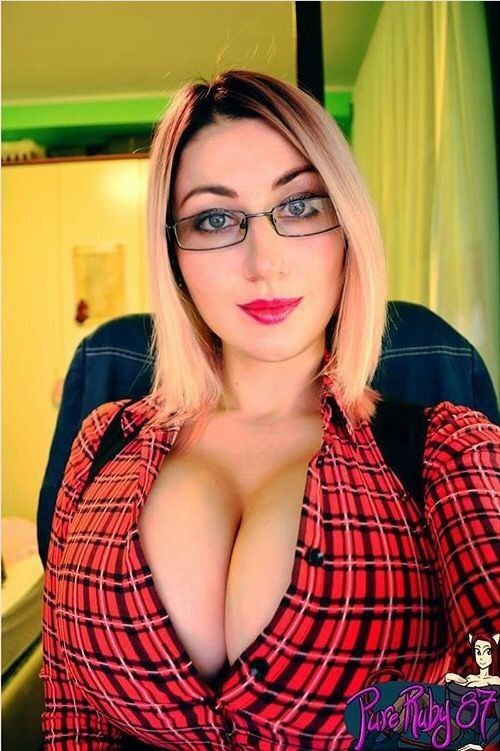 Pureruby87 boobs naked
