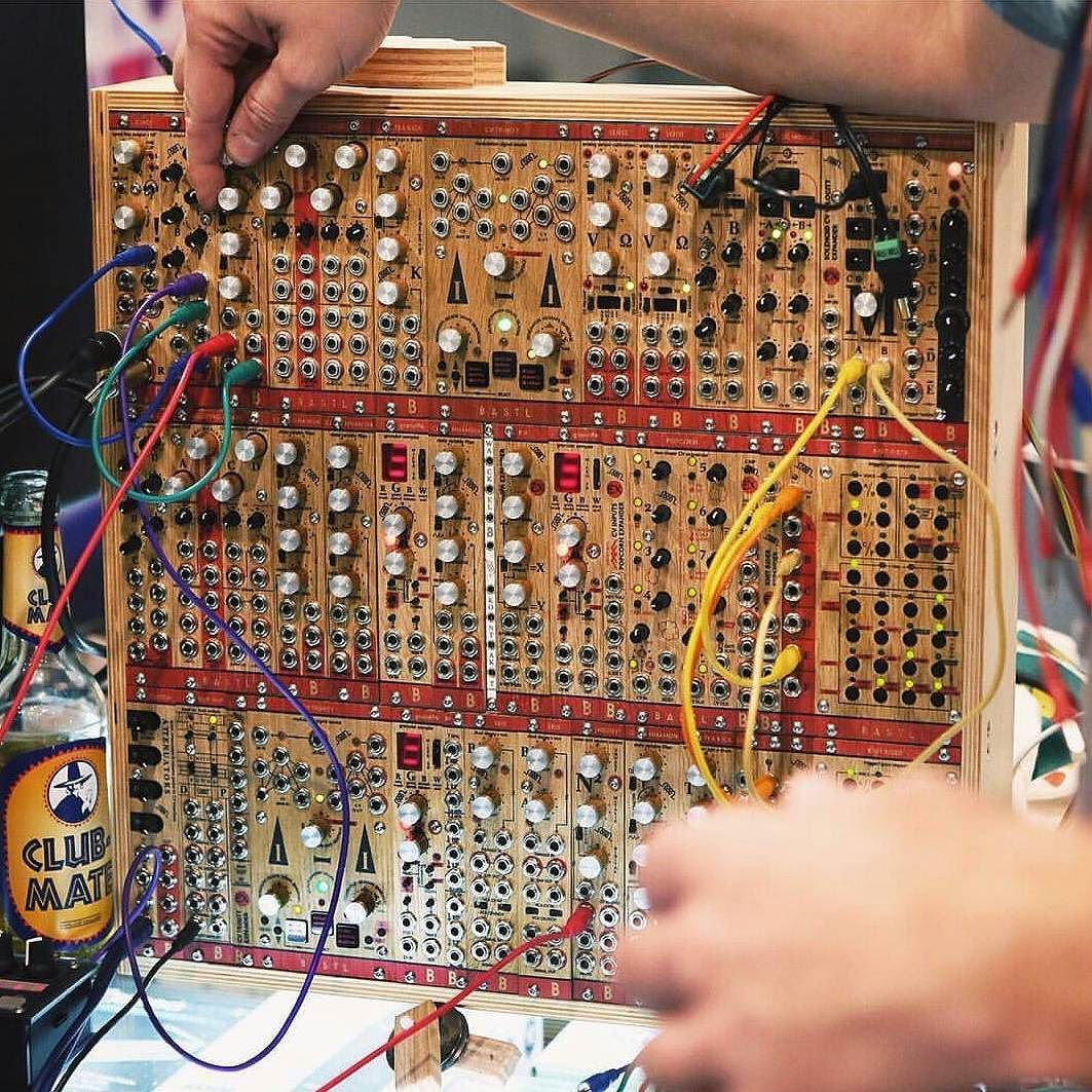 repost from @perfectcircuitaudio #clubmatemusic #clubmatefrance #clubmate #vegandrink #glutenfreevegan #energienaturelle #naturaldrink #naturalenergydrink #energydrink #yerbamate #music #circuit #berlin #paris #instapic #instamusic #producer #prod #electro #electronicmusic #housemusic #technomusic by clubmatefrance