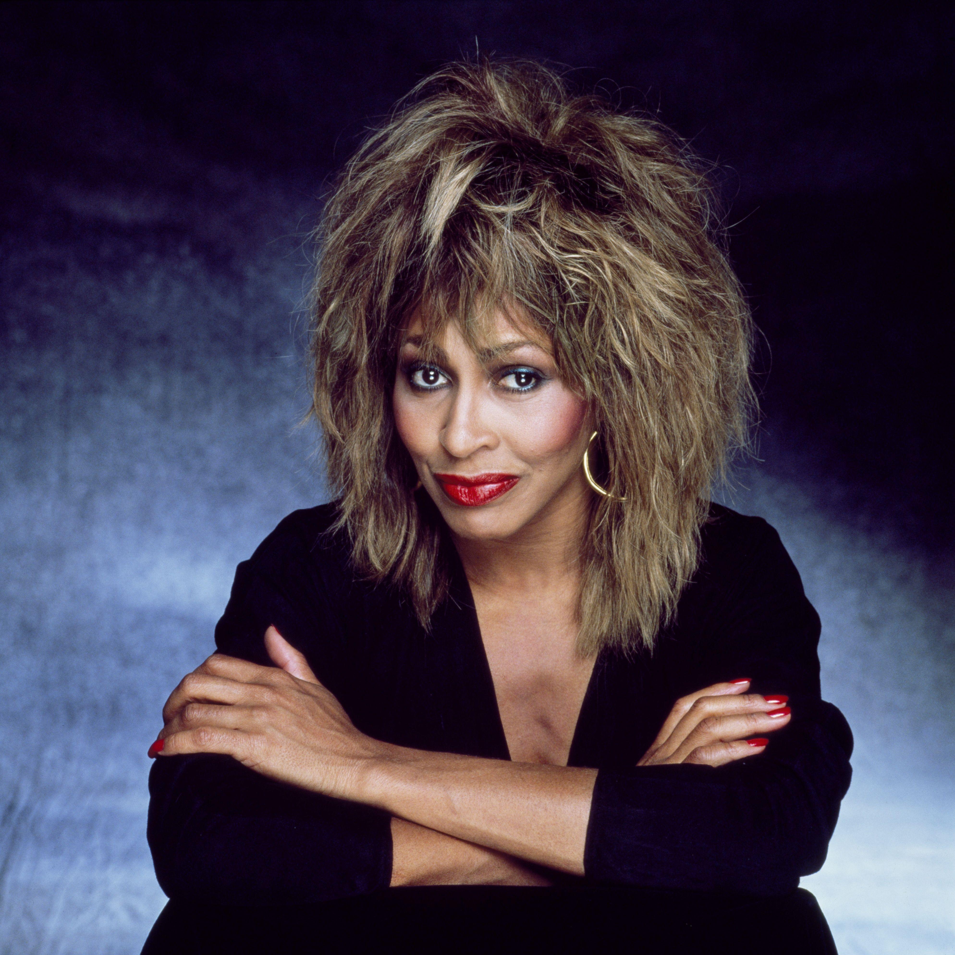 Tina Turner. Tina turner, Hair styles, Tina